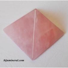 Пирамида от розов кварц