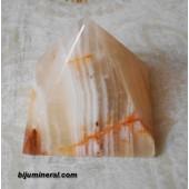 Пирамида от мраморен оникс